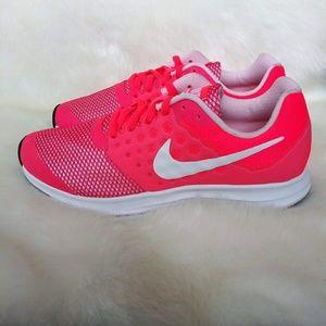 Nike Downshifter 7 Womens Sneakers